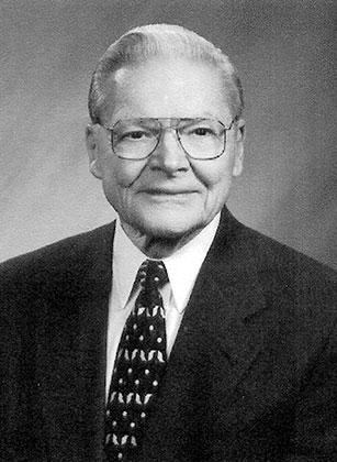 Lifetime Donor William Whipple